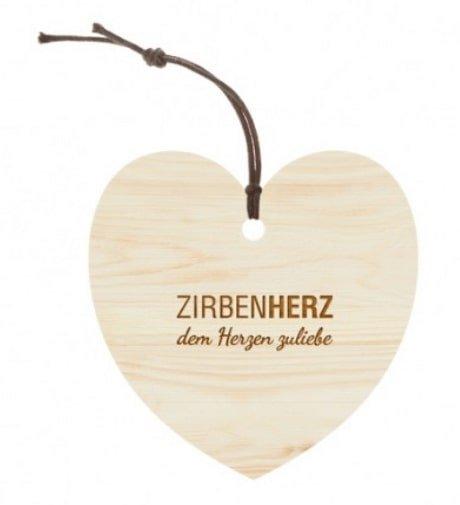 Grosses Herz aus Zirbenholz von der Zirbenfamilie